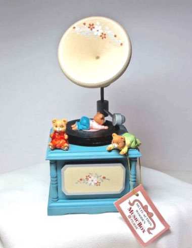 Multi-Action Music Box Bear Phonograph Rotating Bears