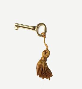short music box locking key with tassle