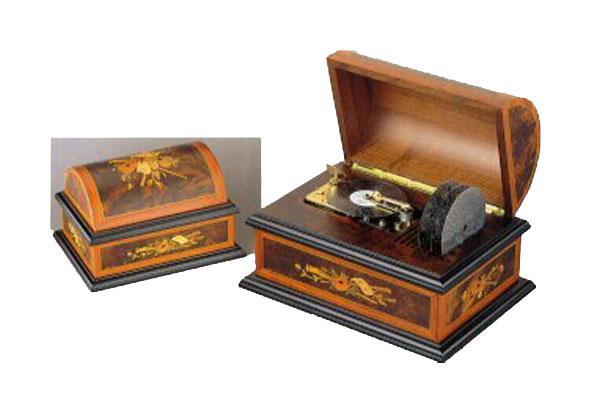 Reuge Treasure Chest Vintage AD30  4.5