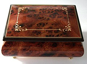 elm Music box with geometric arabesque design