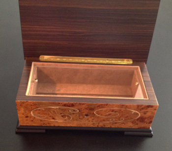 Large 3.50 note Music Box with Scroll work inlay