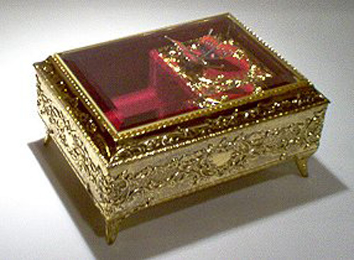 gold Tone Ormalue Musical Box with Animated Butterfly