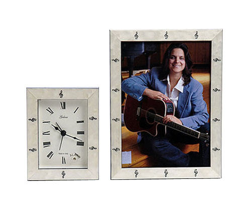 Frame and Clock Set White with Black Treble Clef Design