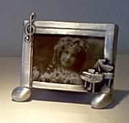 Photo Frame in Pewter with Piano - small
