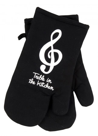 Matching Black Oven Mitts sayTreble In The Kitchen