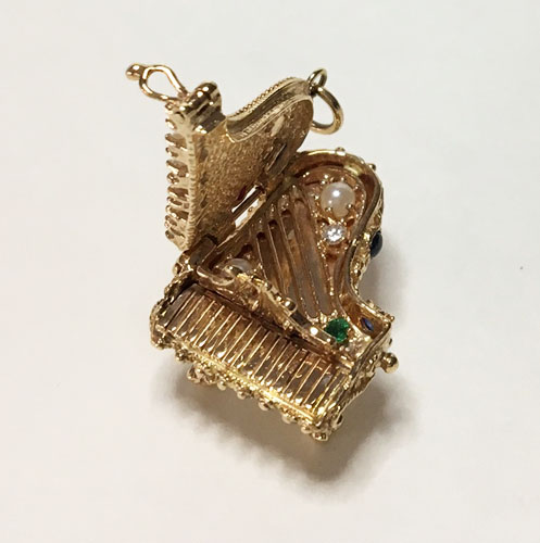 Charms Piano Pendant 14K ornate with precious Jewels
