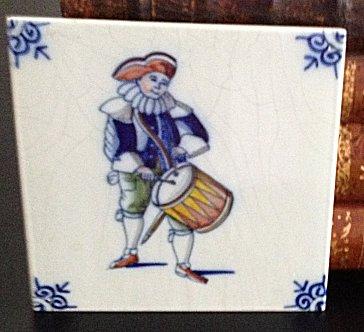 Delft Blue Tile - Drummer