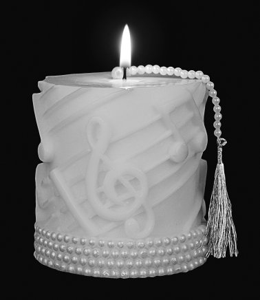 Pearl Trimmed White on White Candle