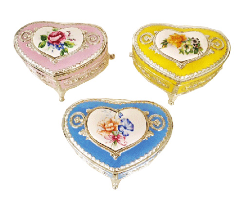 Heart Shaped Enamel Ring Box with Porcelain Floran Medallion