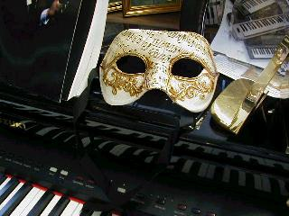 Mardi Gras Masks Sheet Music Motif -3