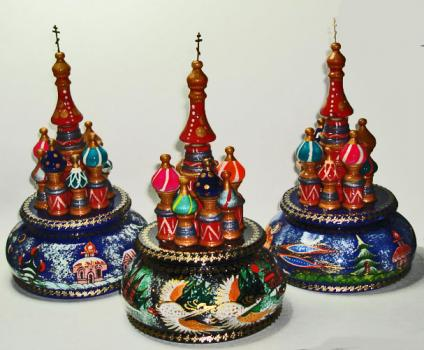 St Basil Cathedral rotating musical figurine