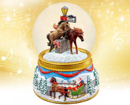 Santa Claus and horses, musical snow globe by breyers