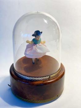 Reuge Daning Ballerina under dome