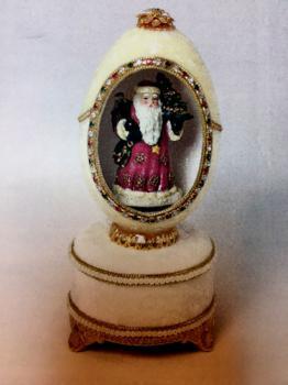 Santa Claus in Kingspoin Designs Musical Goose Egg