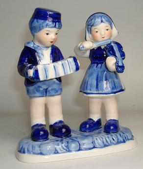Boy and Girl Musicians in Delft Blue
