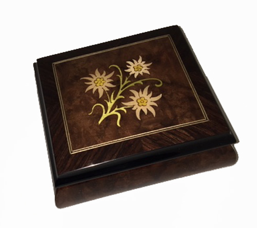 Edelweiss Inlay on Walnut Box with Filetto and Straight Grained Border
