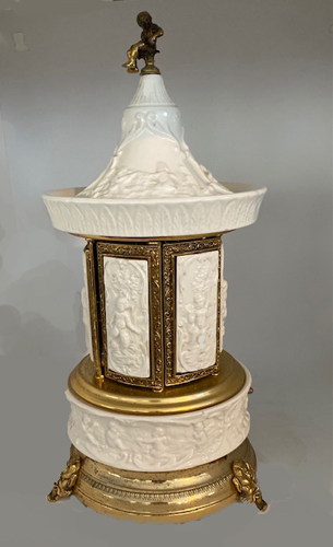 White capodimonte Mosque with gold trim and pagoda top