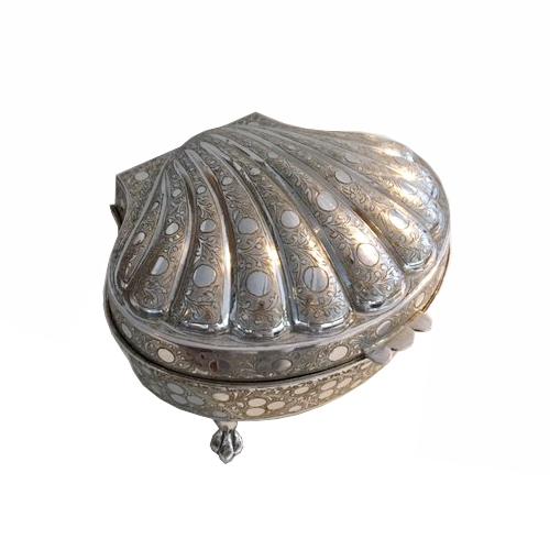 Zimbalist Music Box shaped as a Seashell